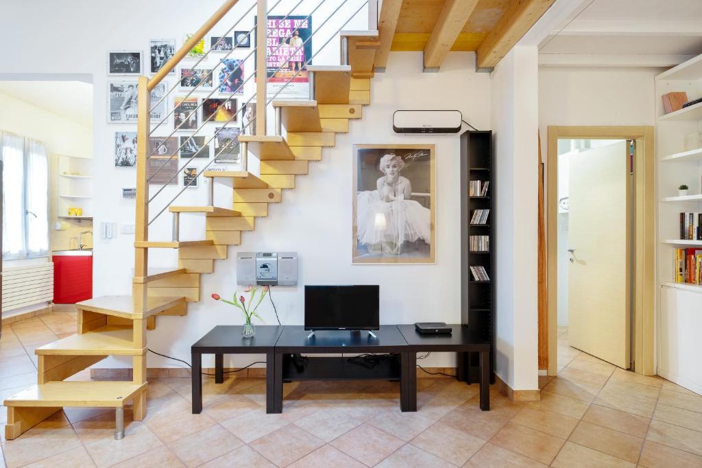 Apartment San Lazzaro Palazzone Duplex, Lazzaro Furniture Reviews