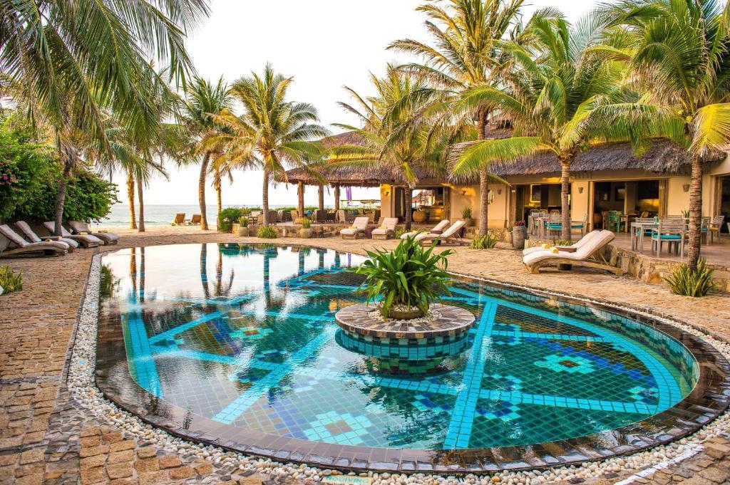 Piscine de l'établissement Sailing Club Resort Mui Ne (former Mia Resort Mui Ne) ou située à proximité