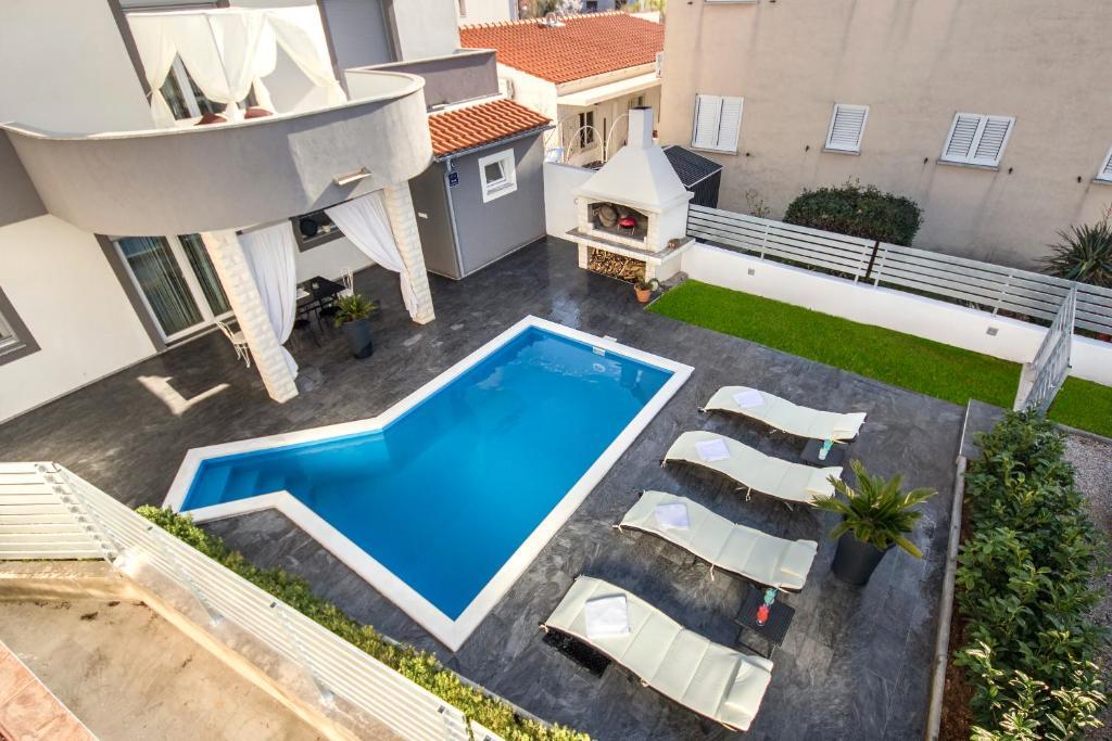 Výhled na bazén z ubytování Apartment Mare nebo okolí