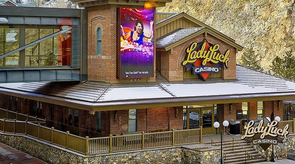 lady luck hotel and casino
