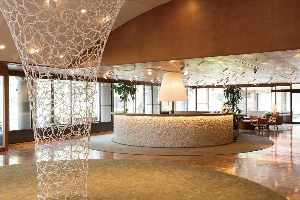 Area lobi atau resepsionis di Karuizawa Prince Hotel East
