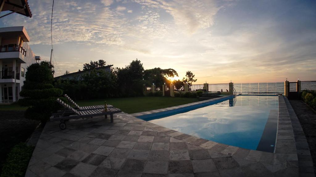 The swimming pool at or close to Marina Seaview Apartments