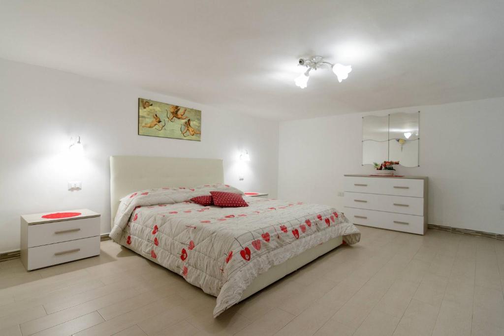 Letto o letti in una camera di Your home in Napoli
