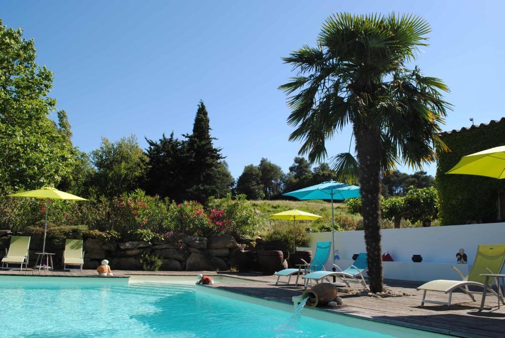 Piscine de l'établissement Chambres d'hôtes de la Cavayere & Spa ou située à proximité