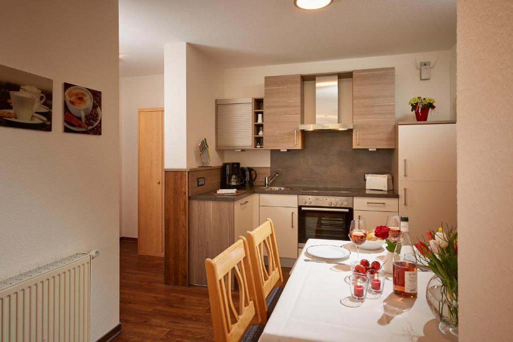 Küche/Küchenzeile in der Unterkunft Hotel & Ferienappartements Edelweiss