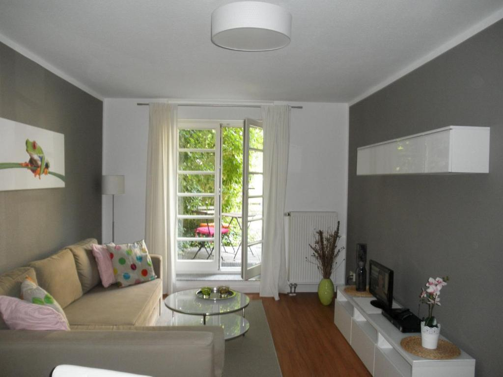 A seating area at Appartement Cécile