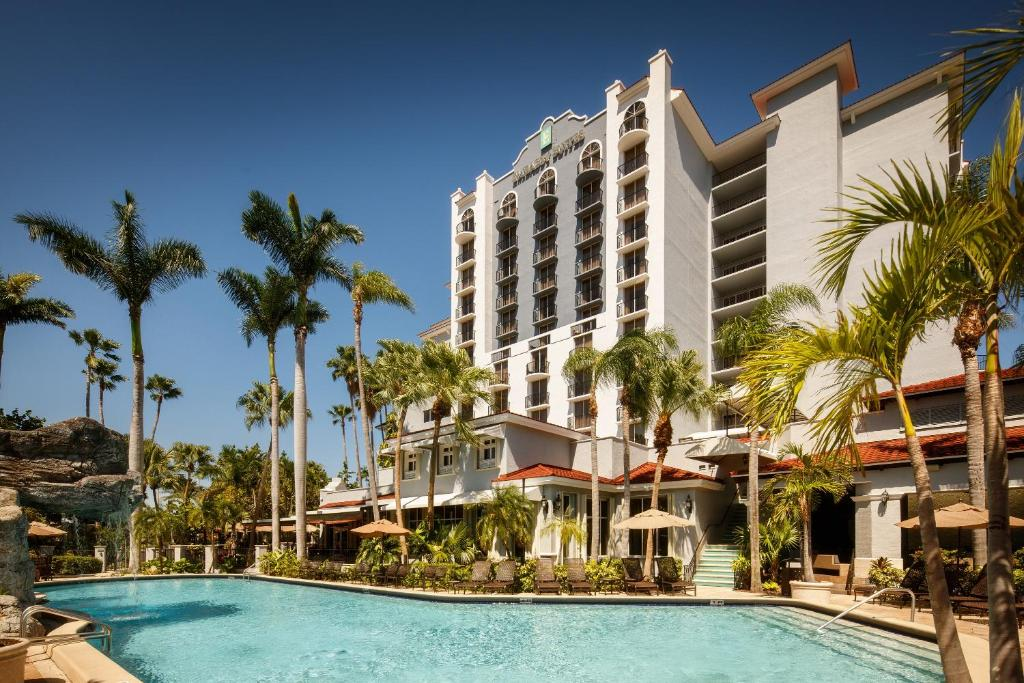 The swimming pool at or near Embassy Suites by Hilton Fort Lauderdale - 17th Street