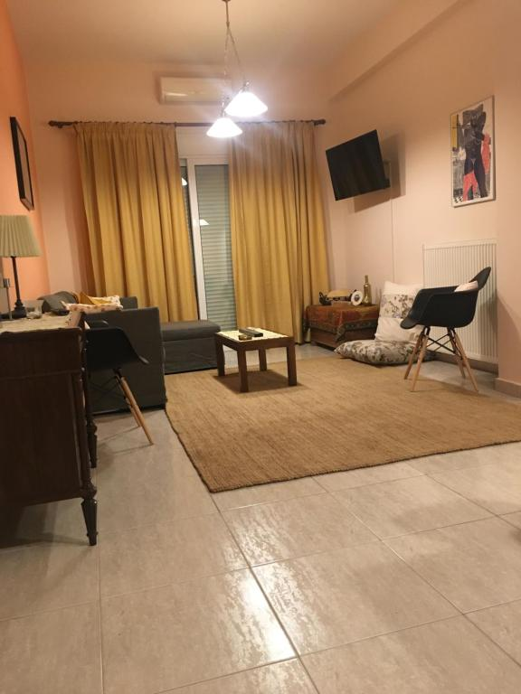 Central 2-Bedroom Luxury Apartment