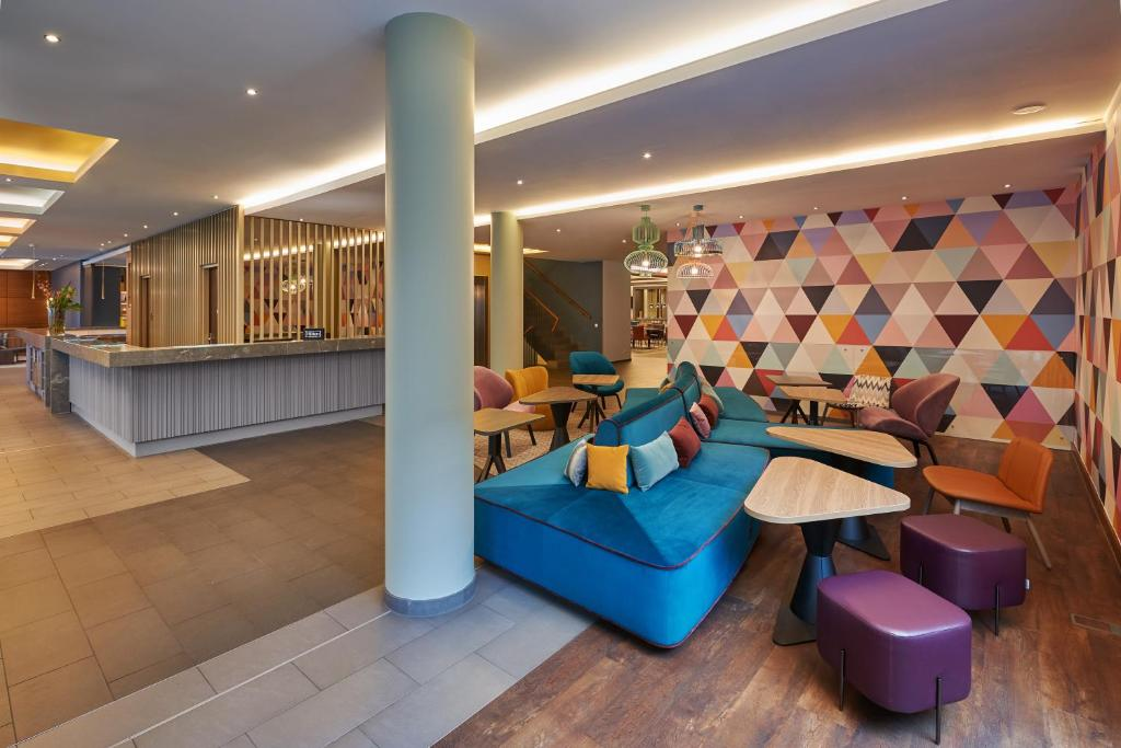 The lobby or reception area at Hampton by Hilton Berlin City West