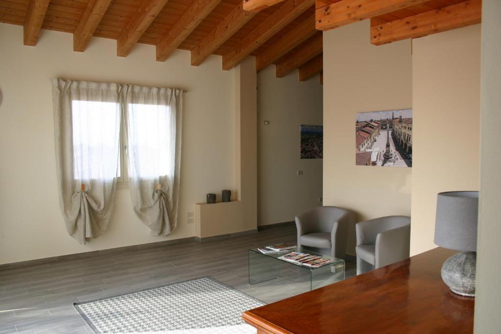 Via Venezia Accomodating Solutions
