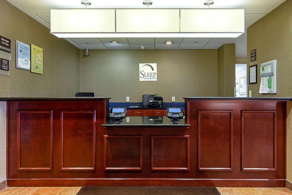 The lobby or reception area at Sleep Inn & Suites Dyersburg I-155