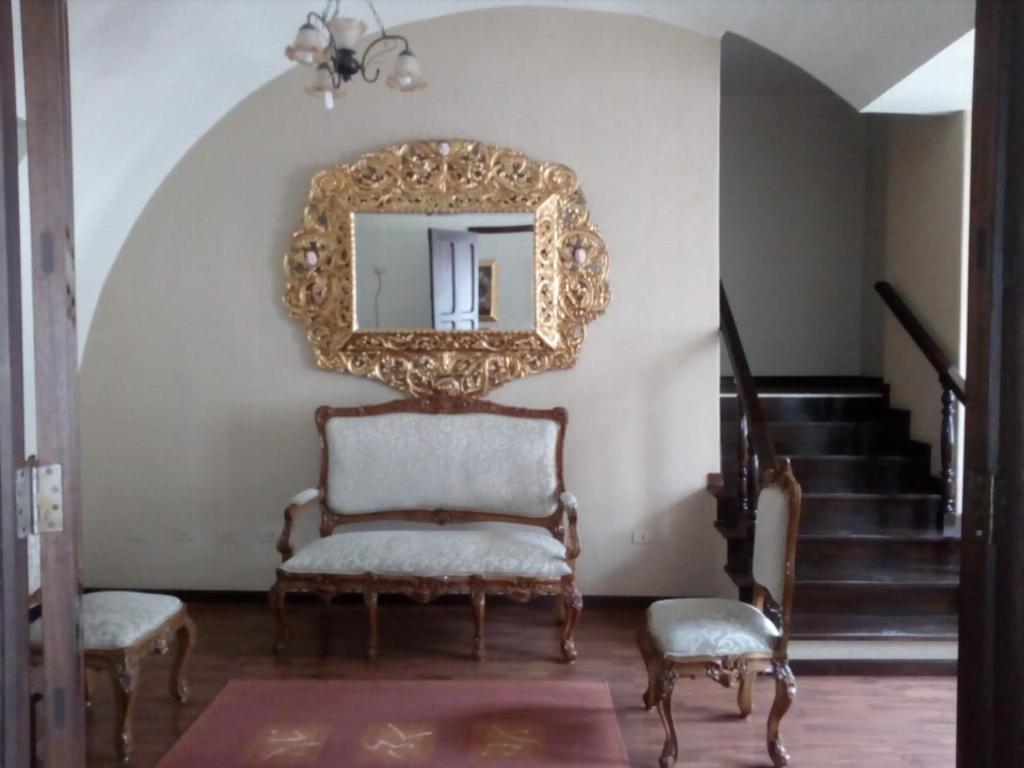 A seating area at La Posada Del Fraile