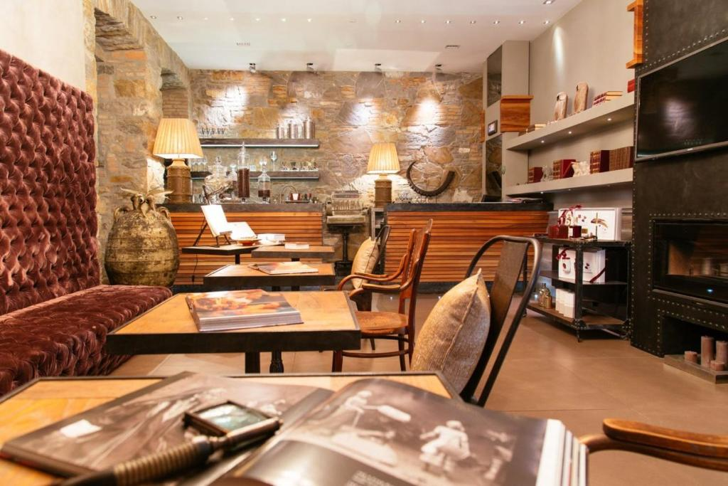 A restaurant or other place to eat at Forvm boutique Hotel