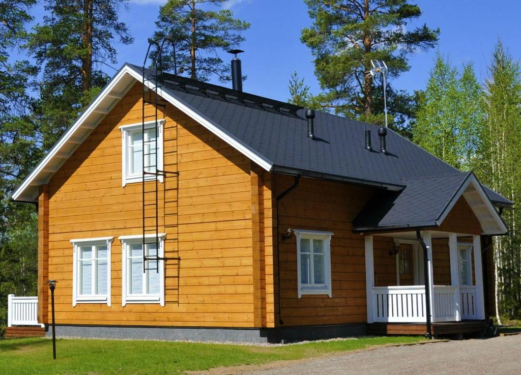 Rakennus, jossa loma-asunto sijaitsee