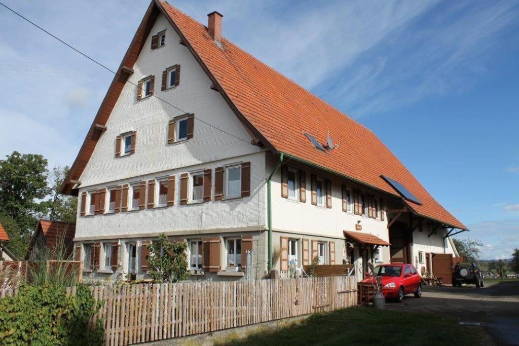 Schlosshof Täbingen