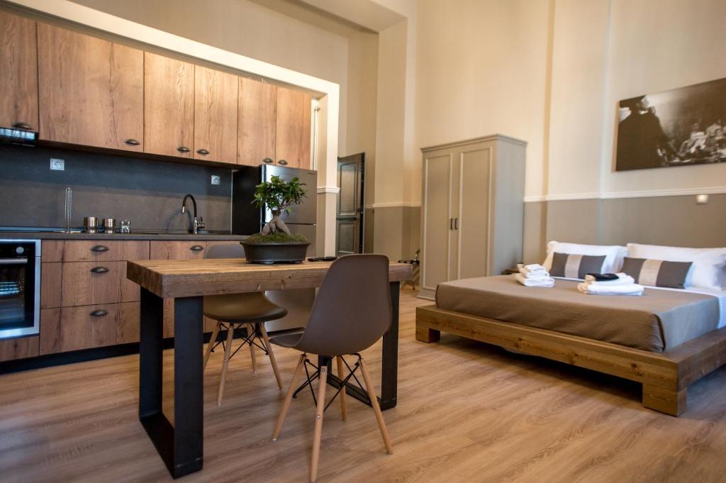 A kitchen or kitchenette at city lofts