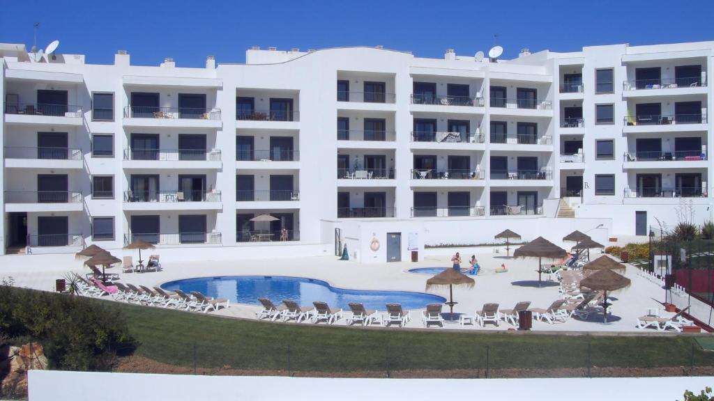 Vista das Ondas T2 with Pool Ténis Court
