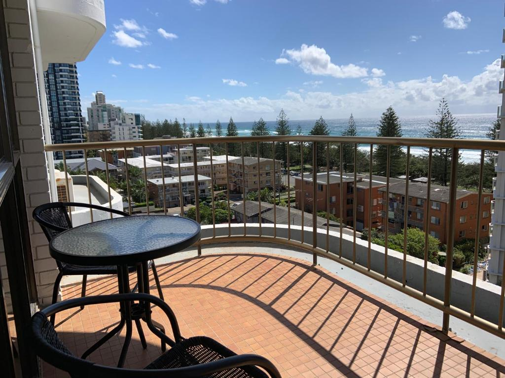 A balcony or terrace at Burleigh Gardens North Hi-Rise Holiday Apartments