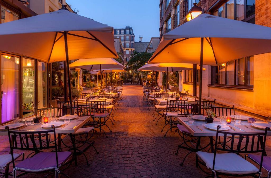 Hotel Jardins Du Marais Paris France Booking Com