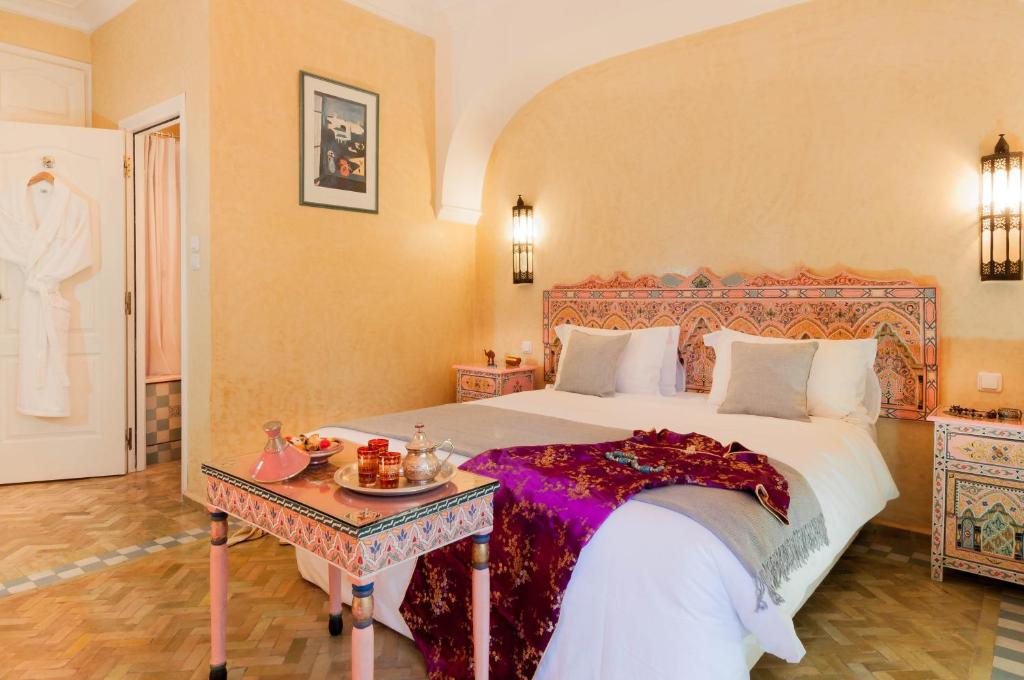 Double room in a charming villa in the heart of Marrakech palm grove