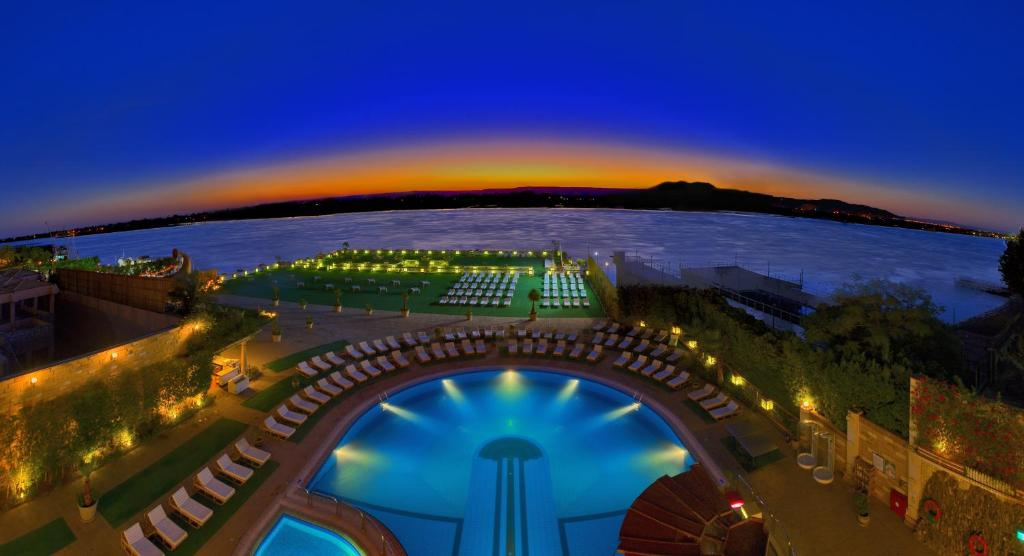 A view of the pool at Sonesta St. George Hotel - Convention Center or nearby