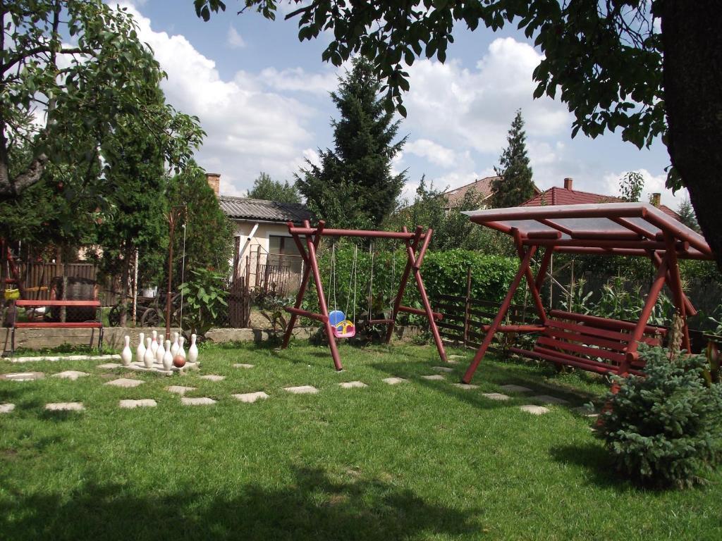 Children's play area at Szele Apartman