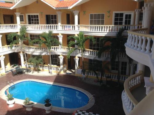 A view of the pool at Herard share apartamento or nearby