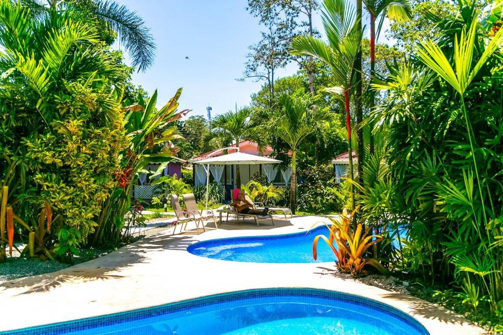 The swimming pool at or close to Hotel El Encanto