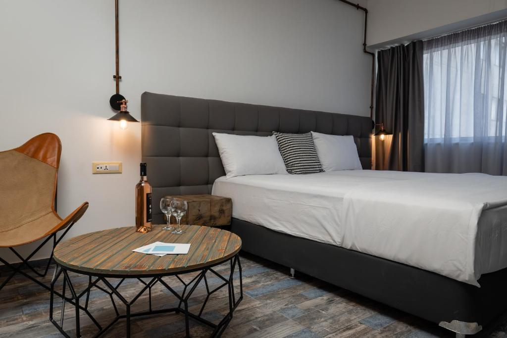 Picture of: Superb Industrial Style Lodge Heart Of Athens Athens Updated 2020 Prices