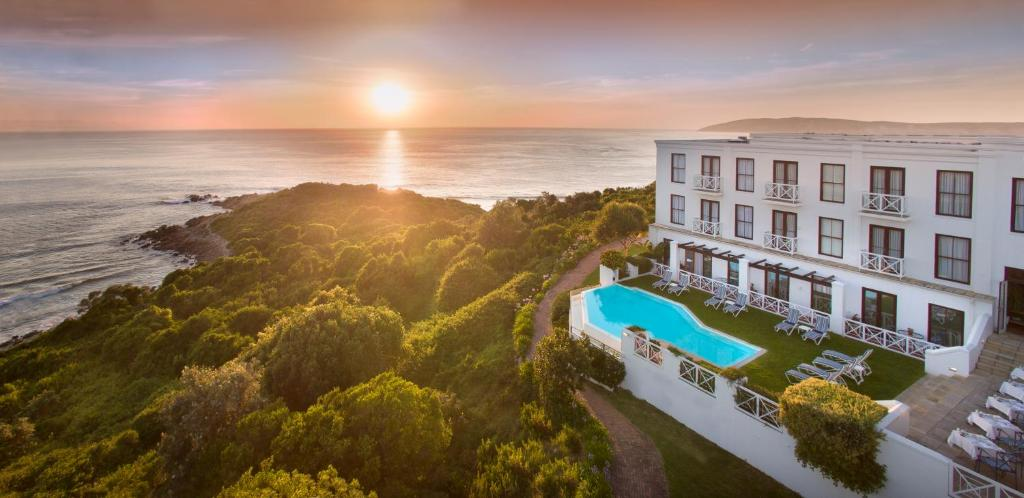 A view of the pool at The Plettenberg Hotel or nearby