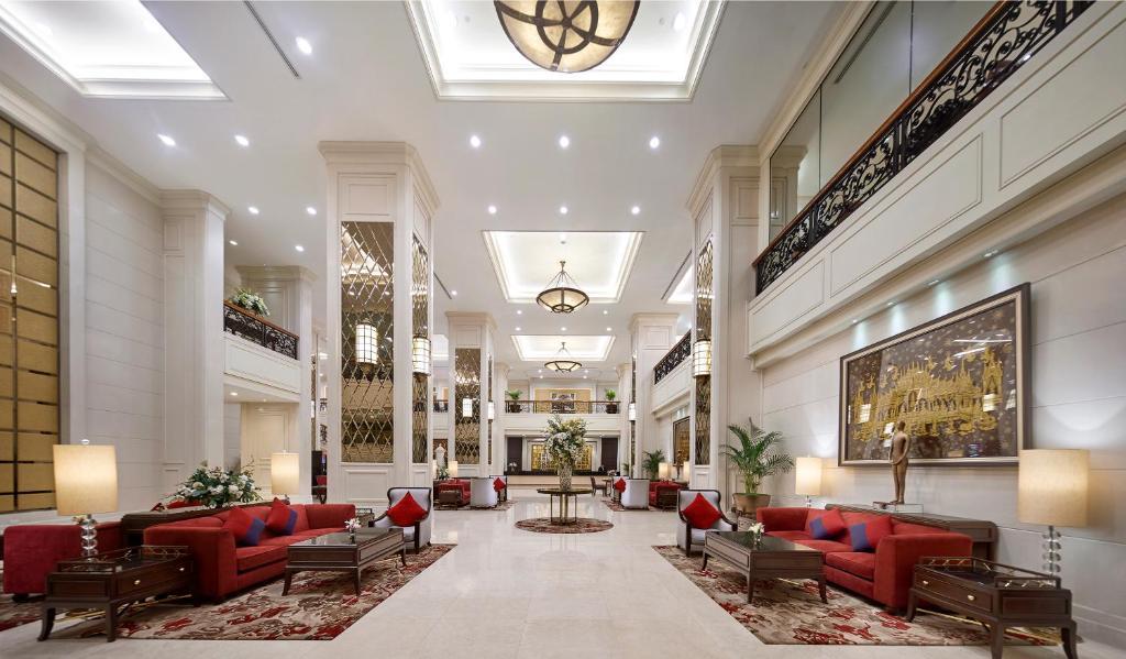 The lobby or reception area at Grande Centre Point Hotel Ratchadamri Bangkok