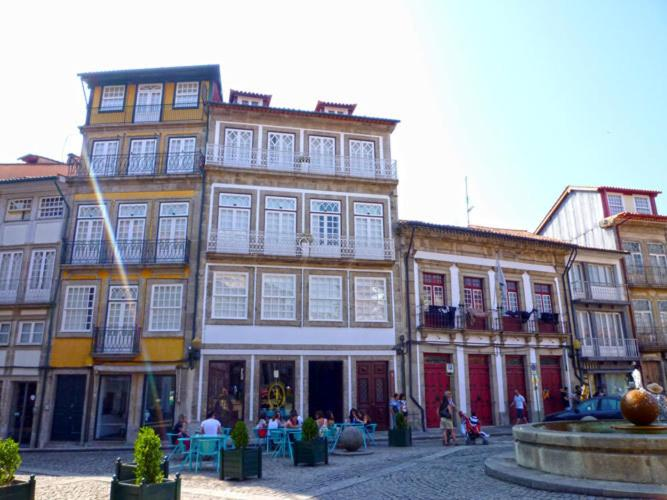 O edifício onde o apartamento está situado
