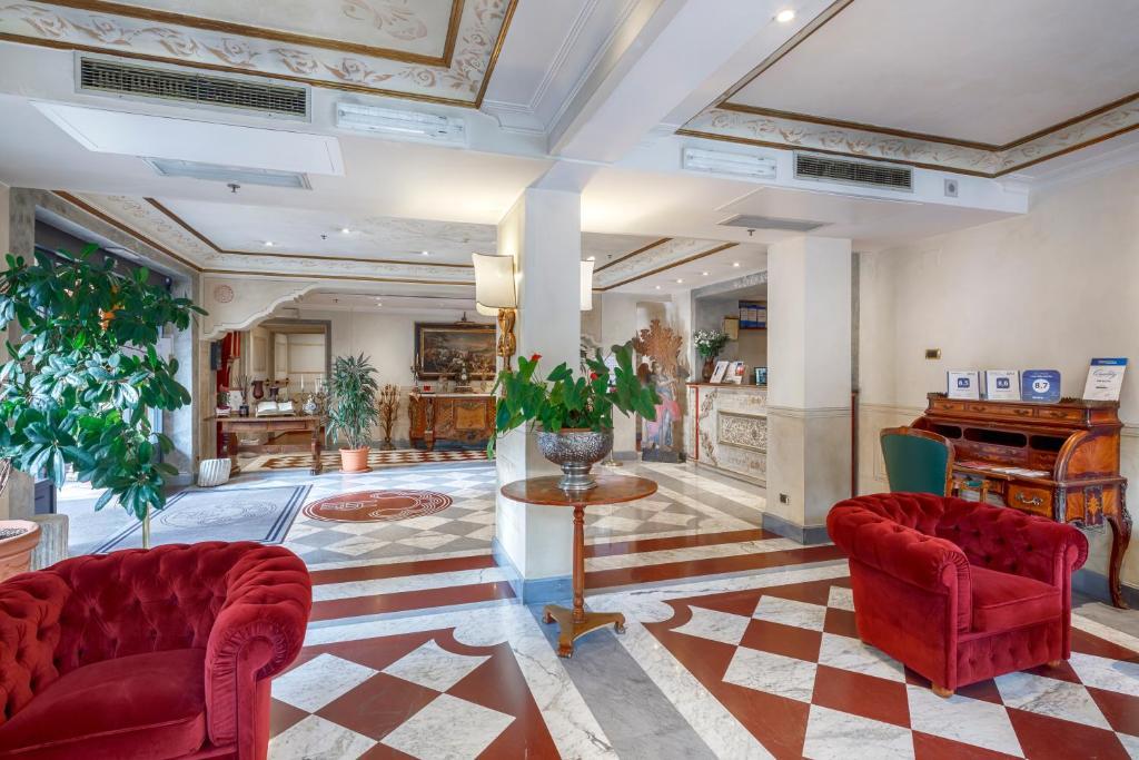El vestíbulo o zona de recepción de Hotel Villa San Pio