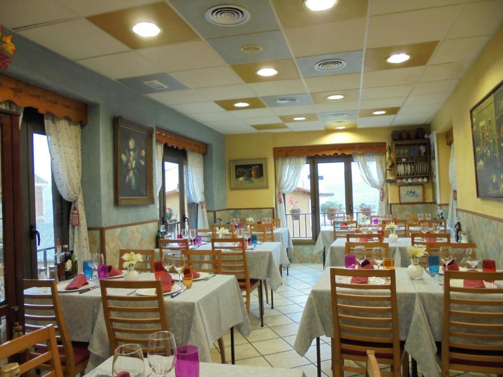 Un restaurante o sitio para comer en Casa Lola