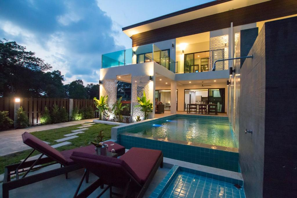 The swimming pool at or close to The Elegance Pool Villas