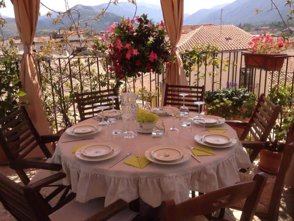 Een restaurant of ander eetgelegenheid bij B&B Il Marchese Del Grillo