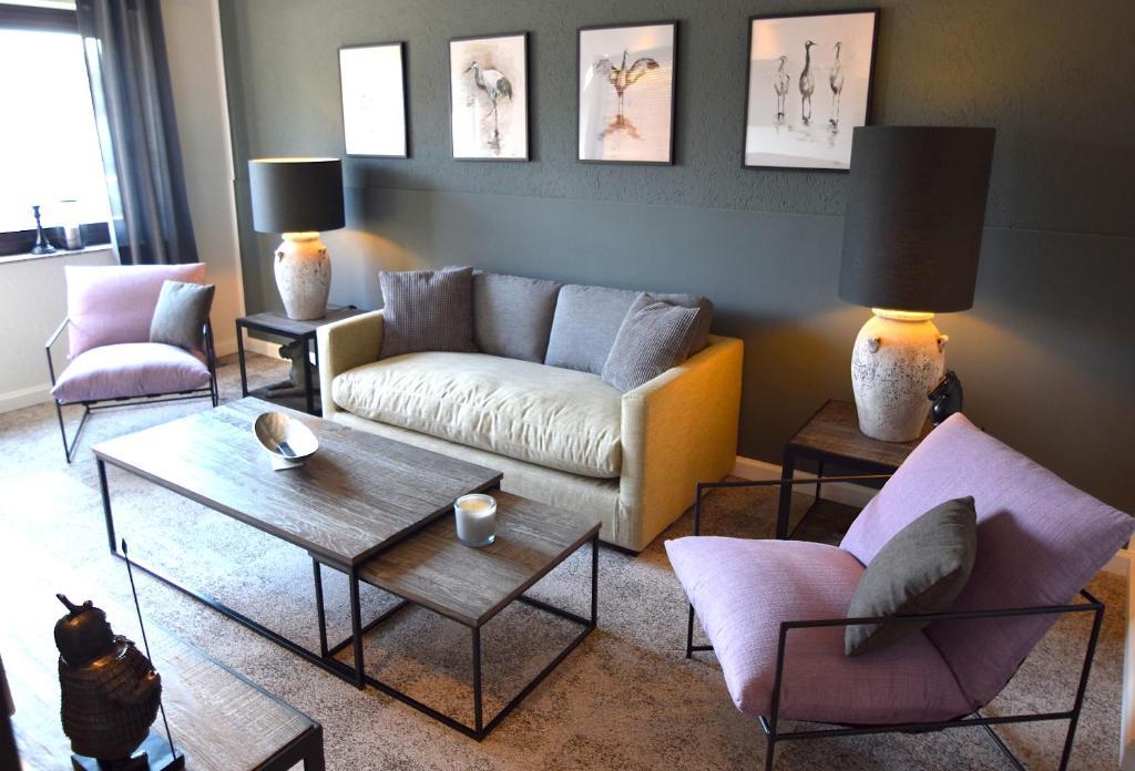 Ein Sitzbereich in der Unterkunft BESOTEL Erkrath- Ferienwohnungen und Apartments