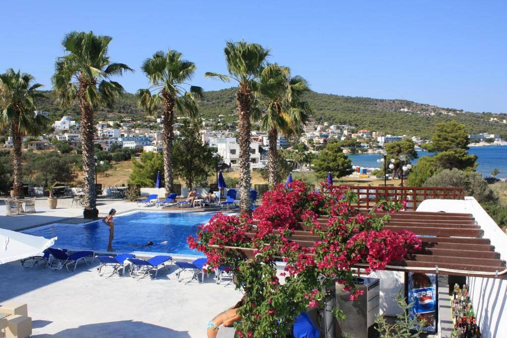 Θέα της πισίνας από το Hotel Blue Fountain ή από εκεί κοντά