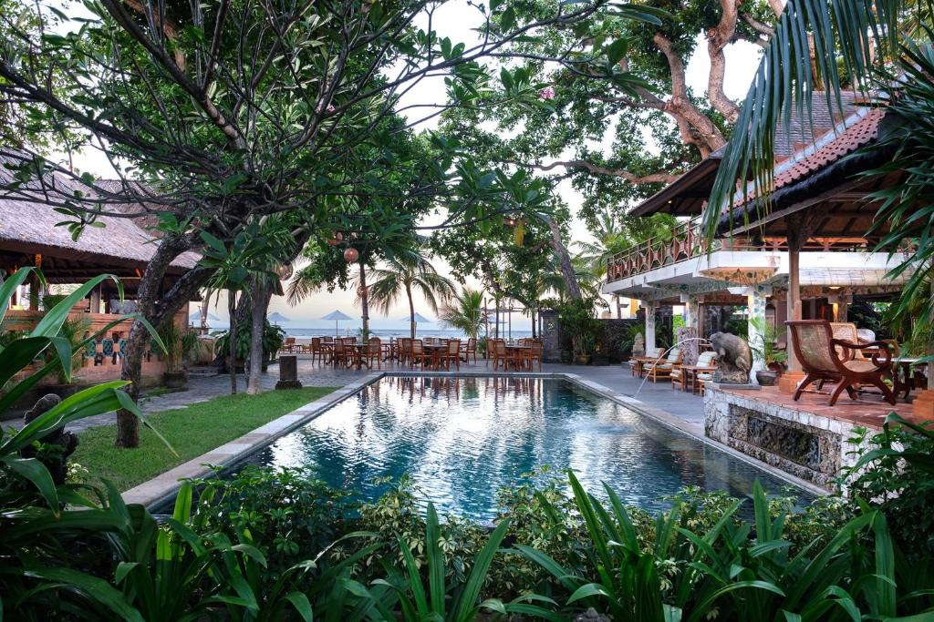 The swimming pool at or near Tandjung Sari Hotel