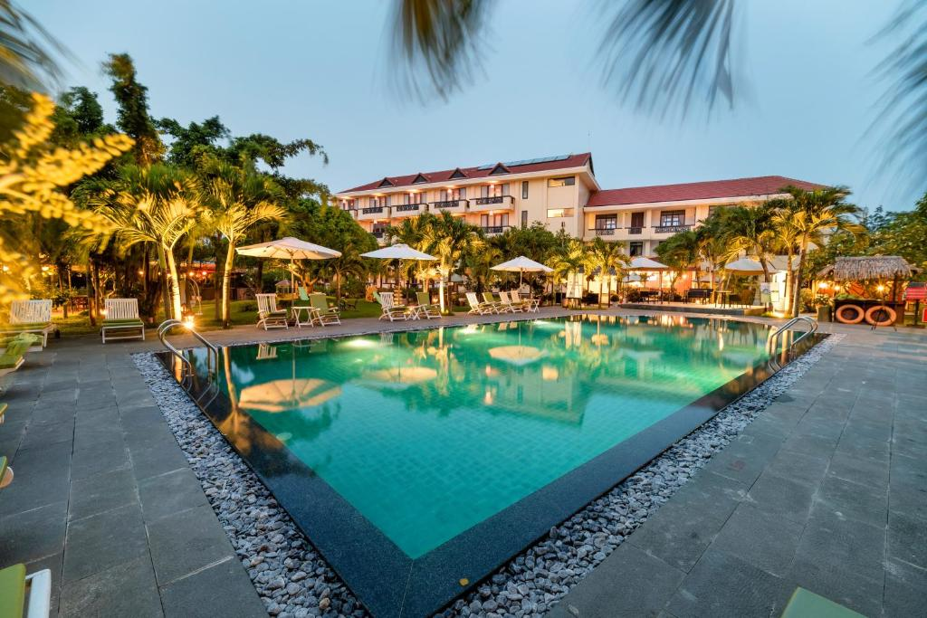 The swimming pool at or close to Phu Thinh Boutique Resort & Spa