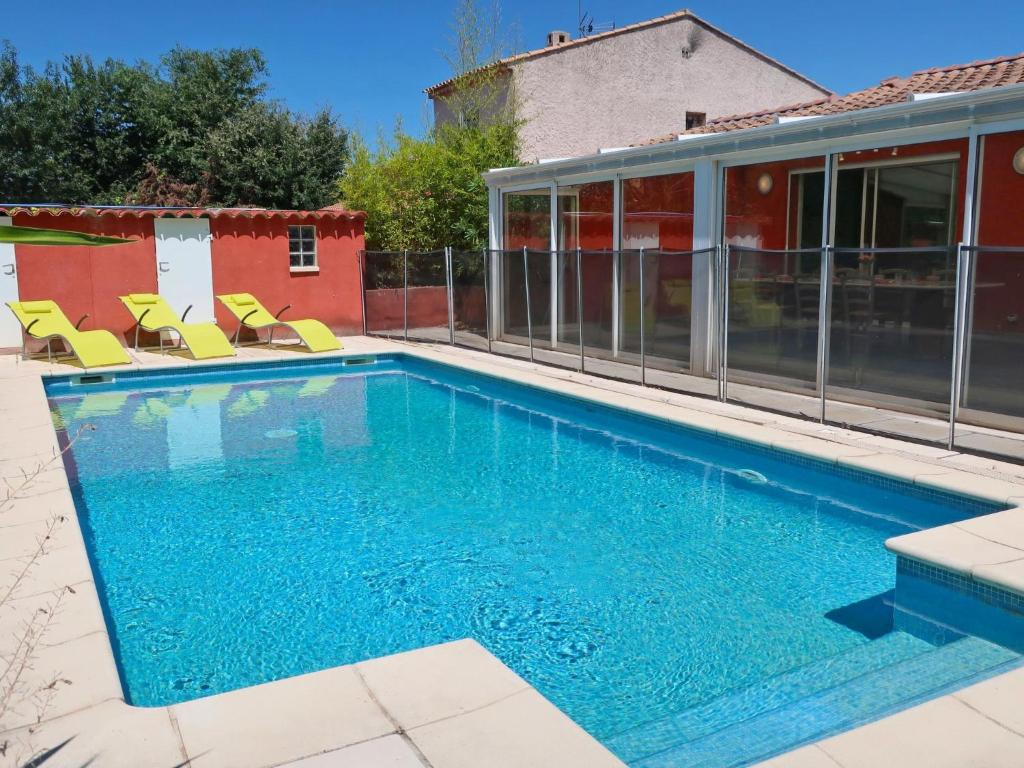 The swimming pool at or near Villa Les Rocailles