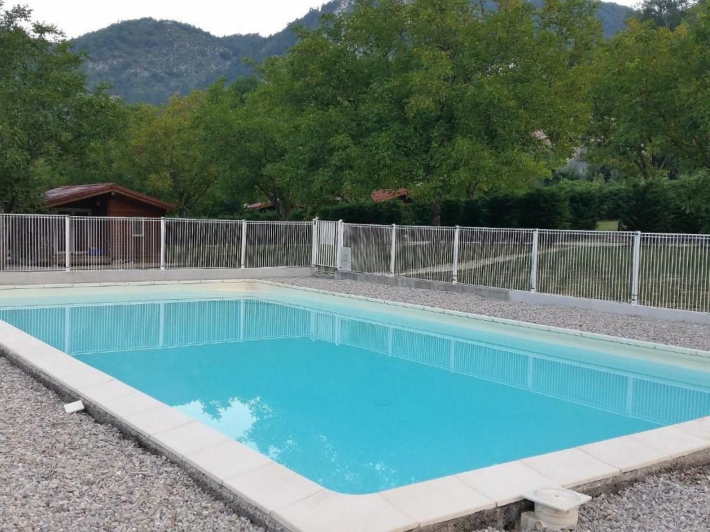 The swimming pool at or near Holiday Home Gîtes Fialoux