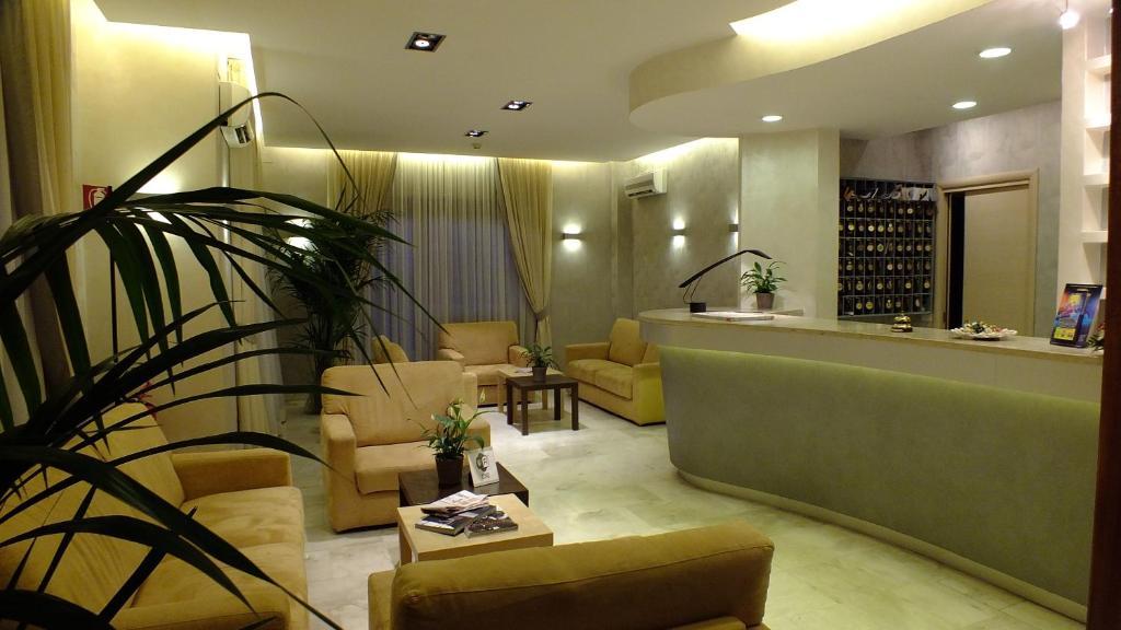 Hall o reception di Hotel Consul