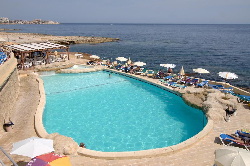 Вид на бассейн в The Preluna Hotel или окрестностях