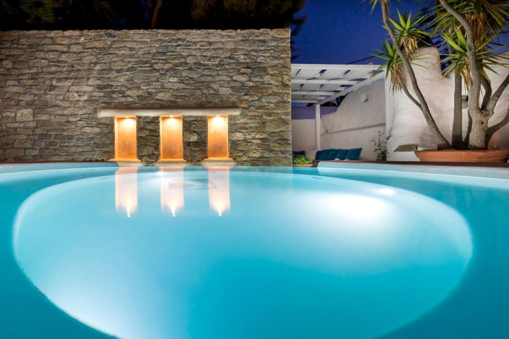 Πισίνα στο ή κοντά στο Carbonaki Hotel