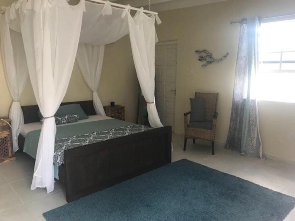 Cama ou camas em um quarto em Flamingo Studio Sunset Heights