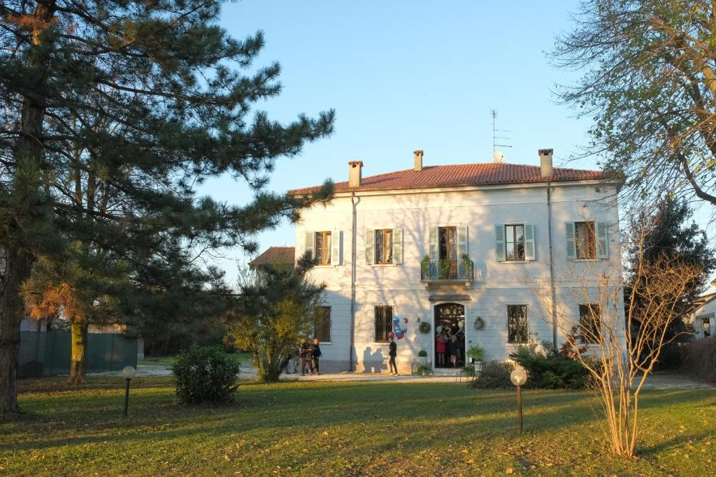 Hotels In Virgilio