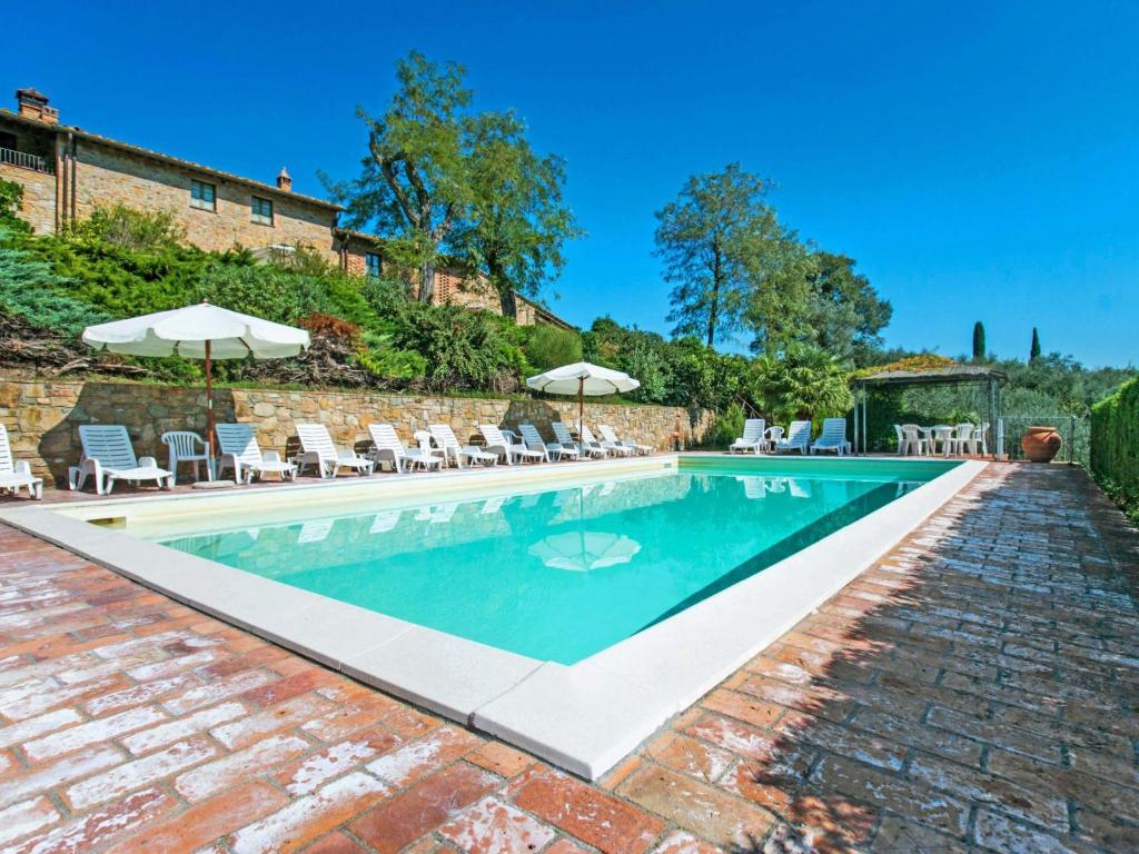 The swimming pool at or near Locazione Turistica Galileo
