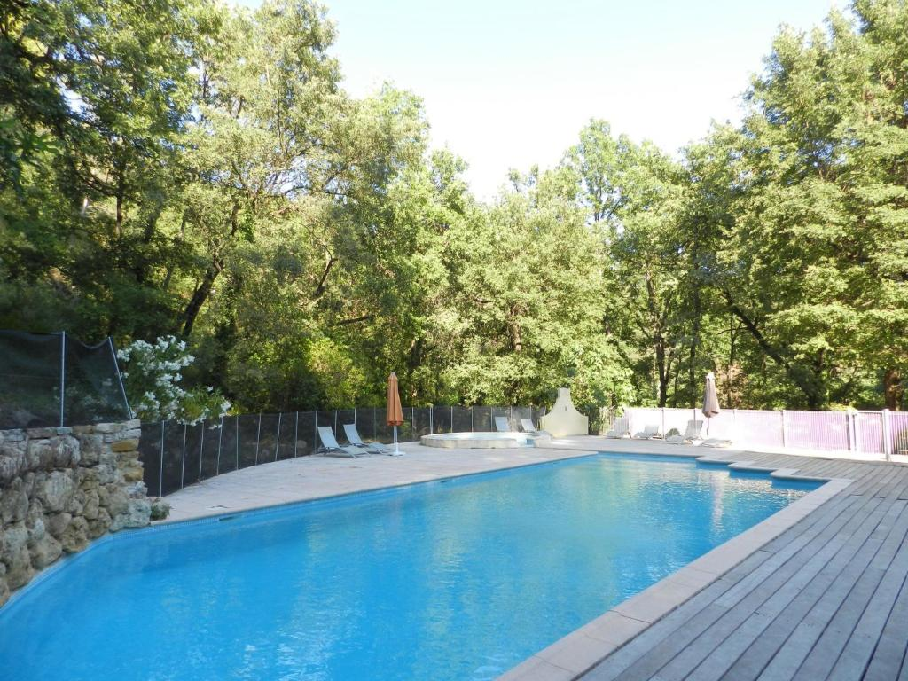 The swimming pool at or near Holiday Home Domaine du Dragon-4