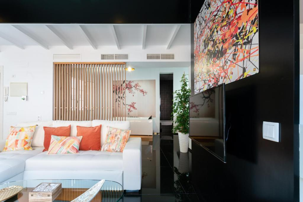 A seating area at Mint Urban Feng-Suites Jacuzzi